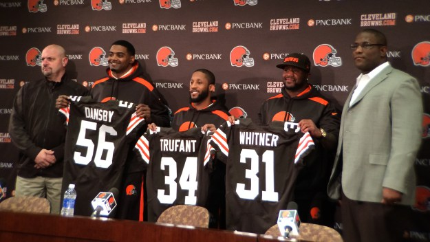 browns-free-agents-e1394662942155