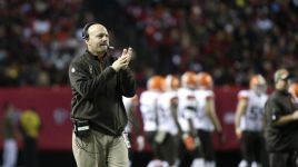 Cleveland Browns Coach Mike Pettine Photographed Smoking Victory Cigar In The Georgia Dome