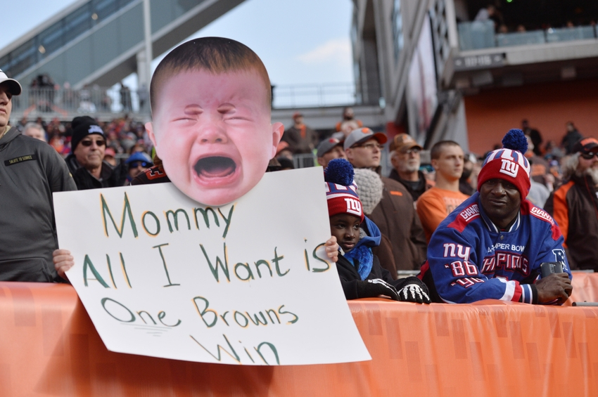 9709552-nfl-new-york-giants-cleveland-browns