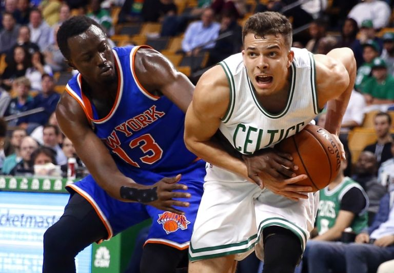 8877881-jerian-grant-r.j.-hunter-nba-preseason-new-york-knicks-boston-celtics-768x532