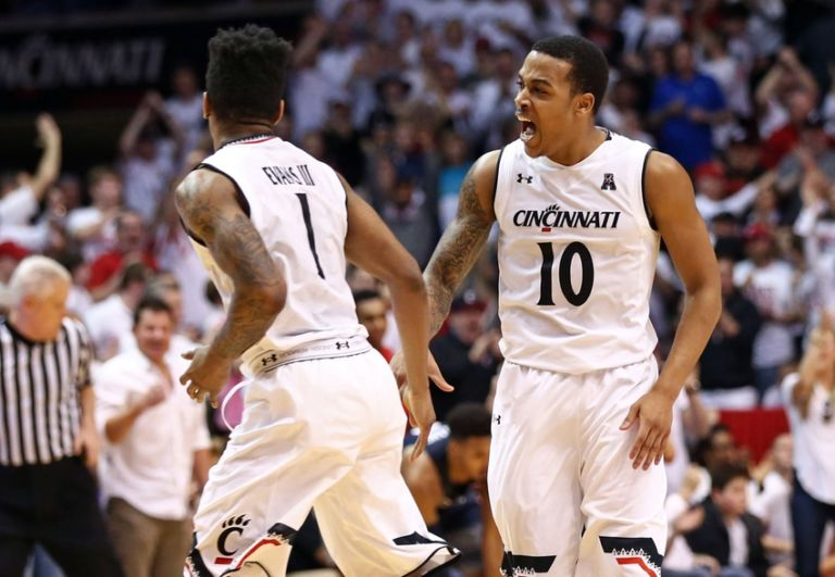 Troy-caupain-ncaa-basketball-connecticut-cincinnati-768x531