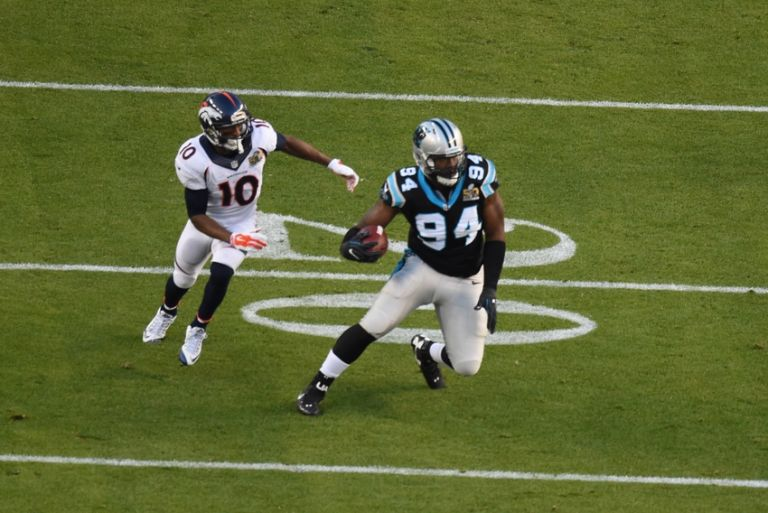 Emmanuel-sanders-kony-ealy-nfl-super-bowl-50-carolina-panthers-vs-denver-broncos-768x0