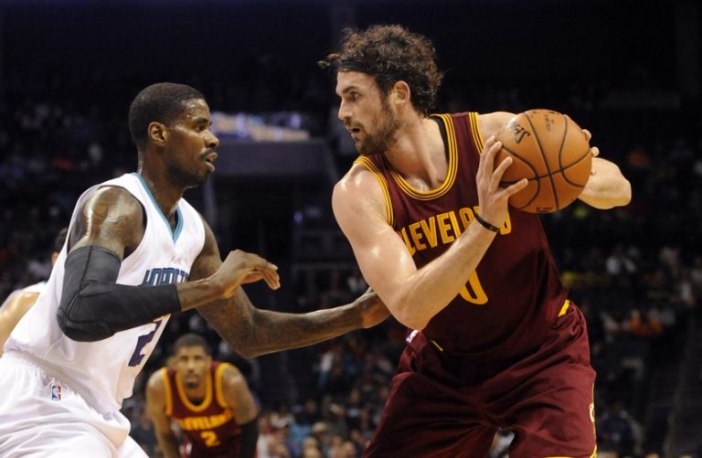 Kevin-love-marvin-williams-nba-cleveland-cavaliers-charlotte-hornets-768x0
