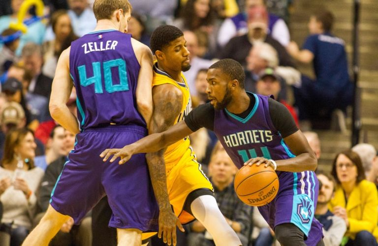 Paul-george-michael-kidd-gilchrist-nba-charlotte-hornets-indiana-pacers-768x0