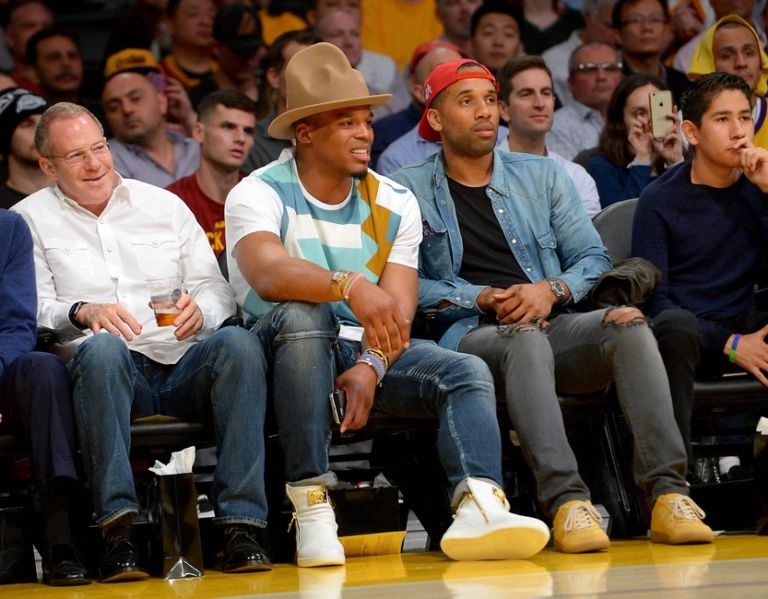 Cam-newton-nba-cleveland-cavaliers-los-angeles-lakers-768x599