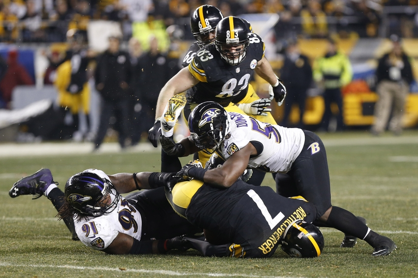 Elvis-dumervil-courtney-upshaw-ben-roethlisberger-nfl-afc-wild-card-playoff-baltimore-ravens-pittsburgh-steelers