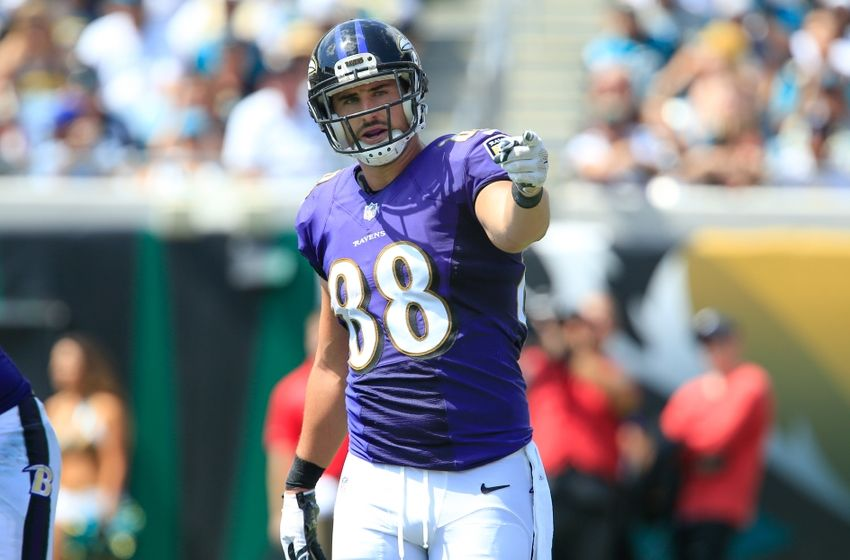 Sep 25, 2016; Jacksonville, FL, USA;  Baltimore Ravens tight end Dennis Pitta (88) signals a first down during the second quarter of a football game against the Jacksonville Jaguars  at EverBank Field. Mandatory Credit: Reinhold Matay-USA TODAY Sports