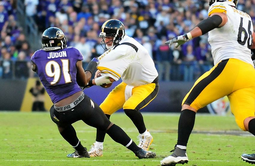 Nov 6, 2016; Baltimore, MD, USA; Pittsburgh Steelers quarterback Ben Roethlisberger (7) is sacked by Baltimore Ravens linebacker Matt Judon (91) in the fourth quarter at M&T Bank Stadium. Mandatory Credit: Evan Habeeb-USA TODAY Sports