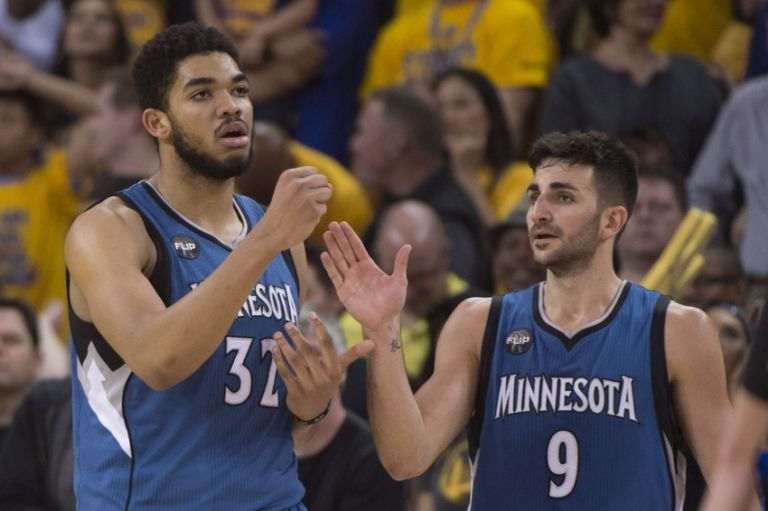 Karl-anthony-towns-ricky-rubio-nba-minnesota-timberwolves-golden-state-warriors-768x511