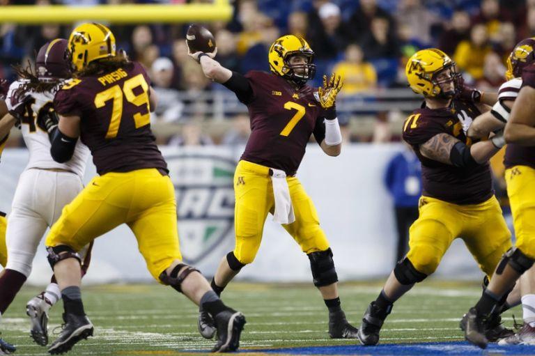Mitch-leidner-ncaa-football-quick-lane-bowl-central-michigan-vs-minnesota-768x511