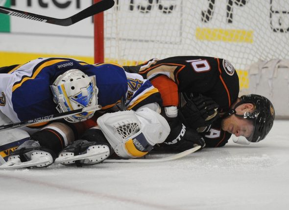 Jake-allen-nhl-st.-louis-blues-anaheim-ducks-590x900