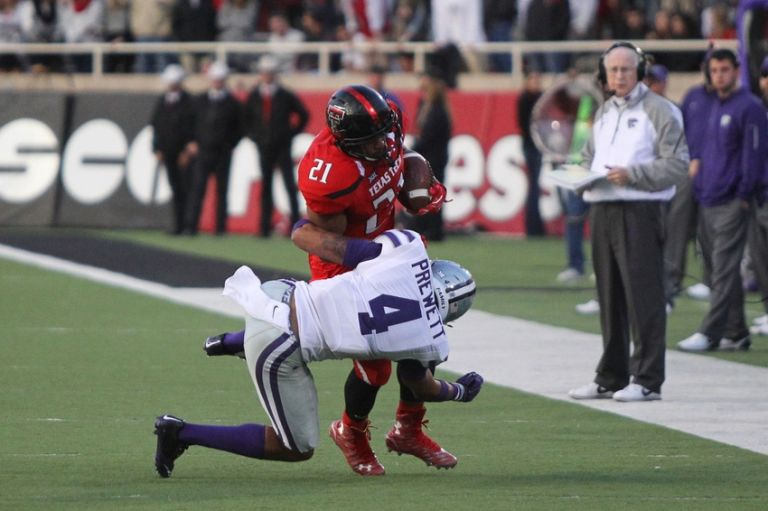 Deandre-washington-ncaa-football-kansas-state-texas-tech-768x511