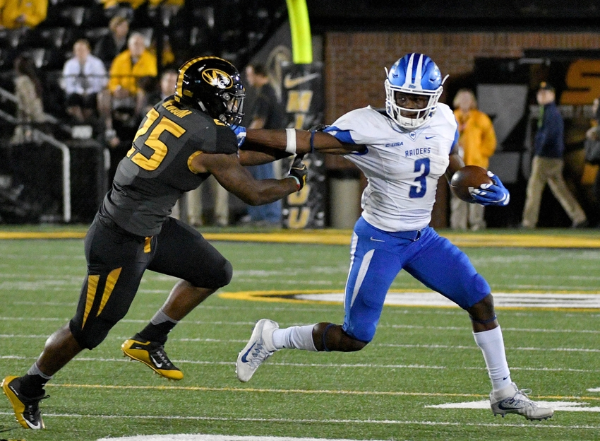 9625900-ncaa-football-middle-tennessee-missouri