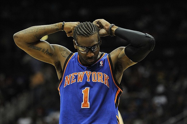 Amar'e Stoudemire out with bruised knee