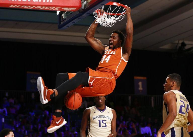 Prince-ibeh-ncaa-basketball-battle-4-atlantis-washington-vs-texas-768x544