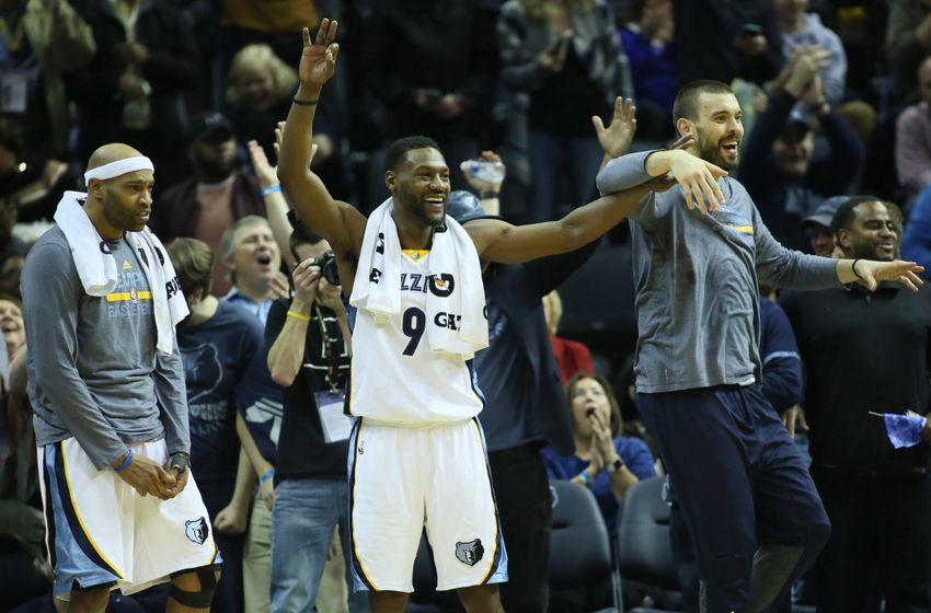 Dec 29, 2016; Memphis, TN, USA; Memphis Grizzlies guards Vince Carter and Tony Allen (9) celebrate with center Marc Gasol after a three point basket against the Oklahoma City Thunder during the fourth quarter at FedExForum. Memphis defeated Oklahoma City 114-80. Mandatory Credit: Nelson Chenault-USA TODAY Sports