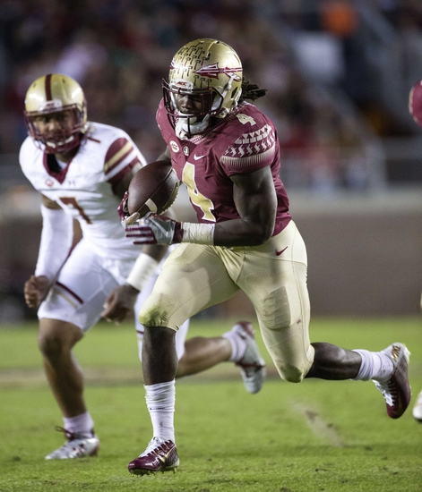 Nov 11, 2016; Tallahassee, FL, USA; Florida State Seminoles running back Dalvin Cook (4) runs for a second quarter touchdown against the Boston College Eagles at Doak Campbell Stadium. Mandatory Credit: Glenn Beil-USA TODAY Sports