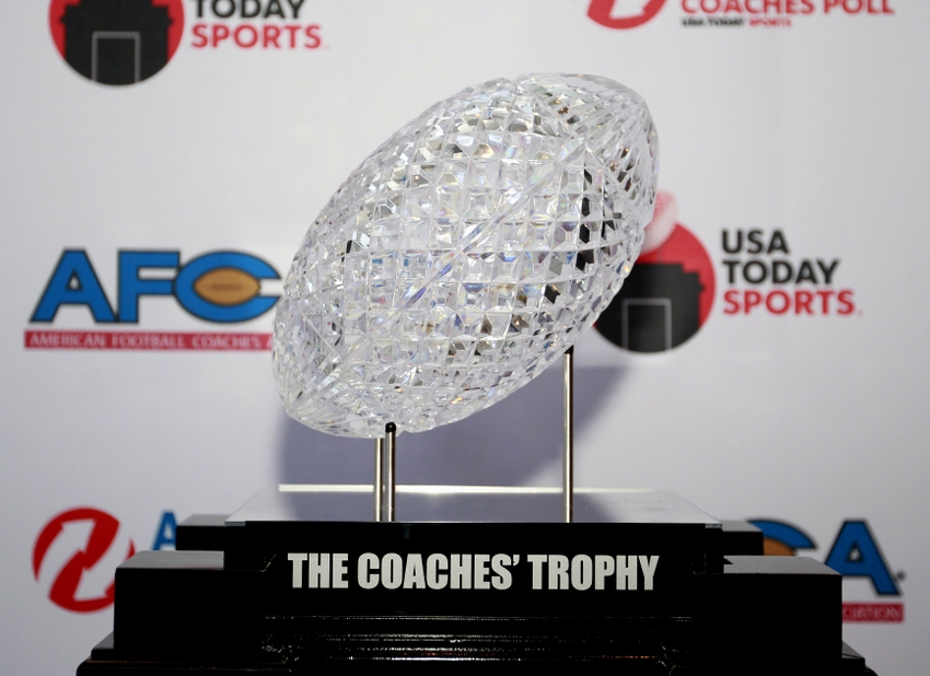 8257117-ncaa-football-amway-coaches-poll-reveal