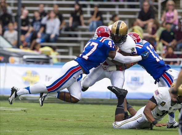 Sep 28, 2013; Dallas, TX, USA; Louisiana Tech Bulldogs linebacker Daniel Cobb (47) and defensive back Le