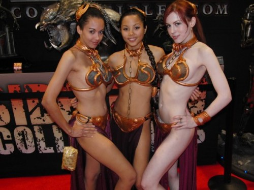 THREESOME-PRINCESS-LEIA-COSPLAY-BIKINI