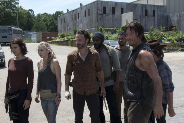 walking-dead-season-4-mid-finale-episode-8-too-far-gone_0