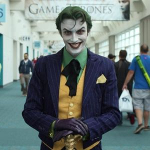 Vh-Joker_Cosplay_50_Awesome_Cosplay_WINS-s500x500-344128-580
