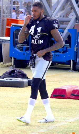 Raiders safety Jonathan Dowling prepares for defensive drills against the cowboys in oxnard ca