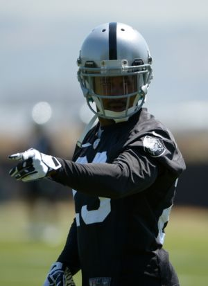 tarell brown prepares for defensive individual drills during raiders OTAs