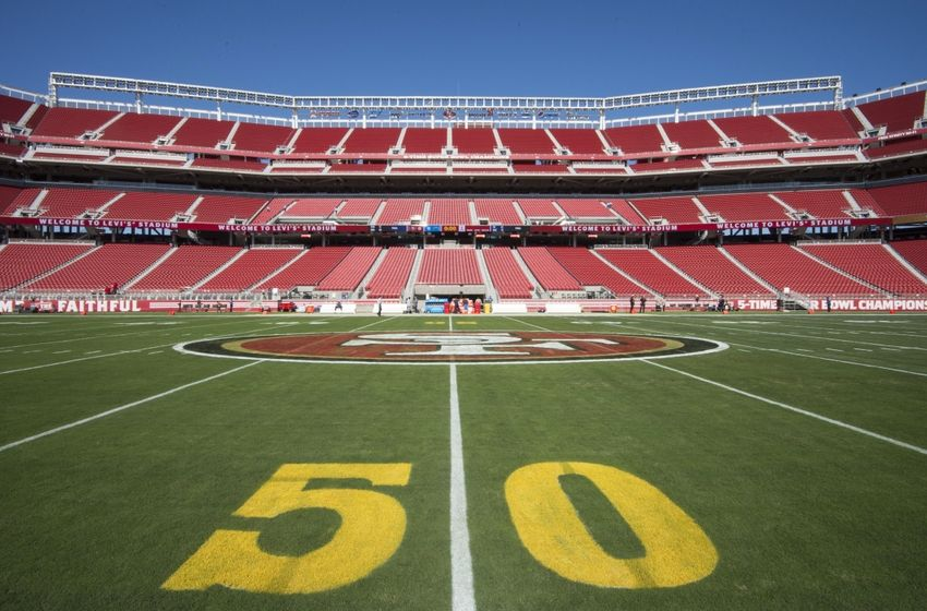 Raiders defy National Football League, refuse to put gold 50-yard markers on field