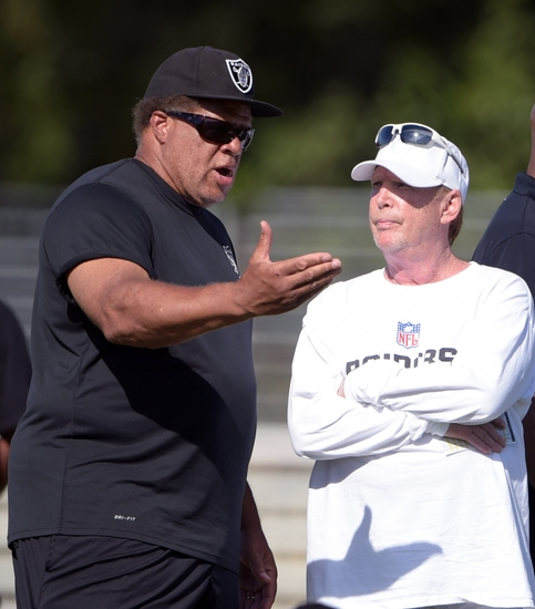 Reggie-mckenzie-mark-davis-nfl-oakland-raiders-training-camp