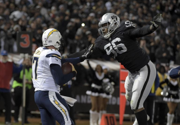 Denico-autry-philip-rivers-nfl-san-diego-chargers-oakland-raiders-768x533