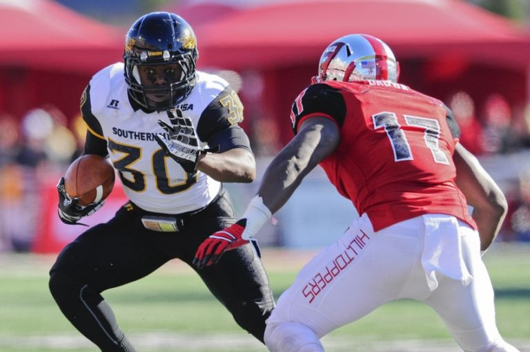 8976036-jalen-richard-ncaa-football-conference-usa-championship-western-kentucky-vs-southern-mississippi-768x511