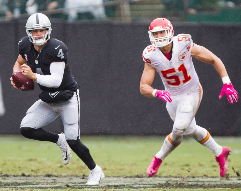 9613294-derek-carr-frank-zombo-nfl-kansas-city-chiefs-oakland-raiders