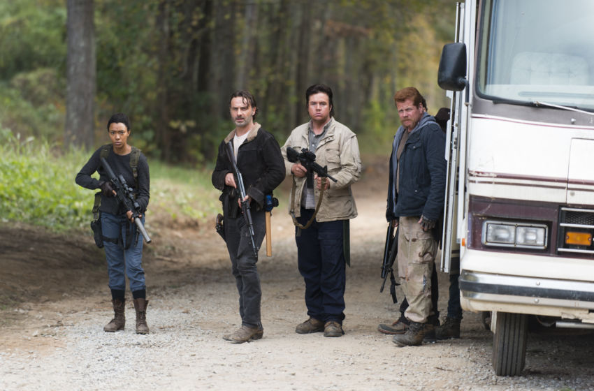 Walking Dead' Unveils Season 5 Trailer, Sets Premiere Date (Video ...
