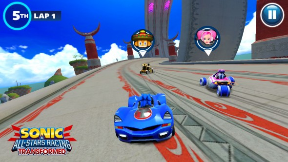 Sonic & All-Stars Racing Transformed - iOS - Screen 02