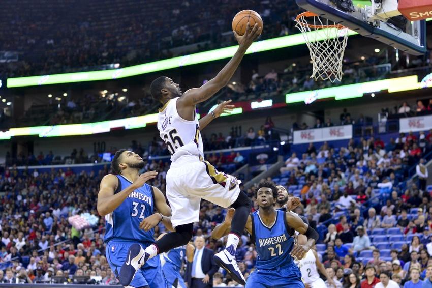 Pelicans rip Hawks; Bulls win