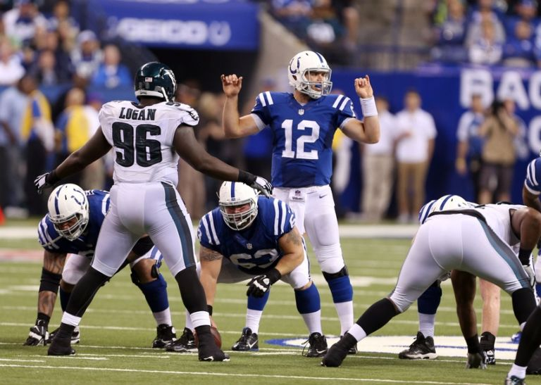 8089540-andrew-luck-nfl-philadelphia-eagles-indianapolis-colts-768x547