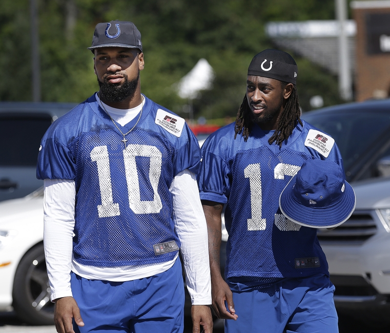 9406055-t.y.-hilton-donte-moncrief-nfl-indianapolis-colts-training-camp