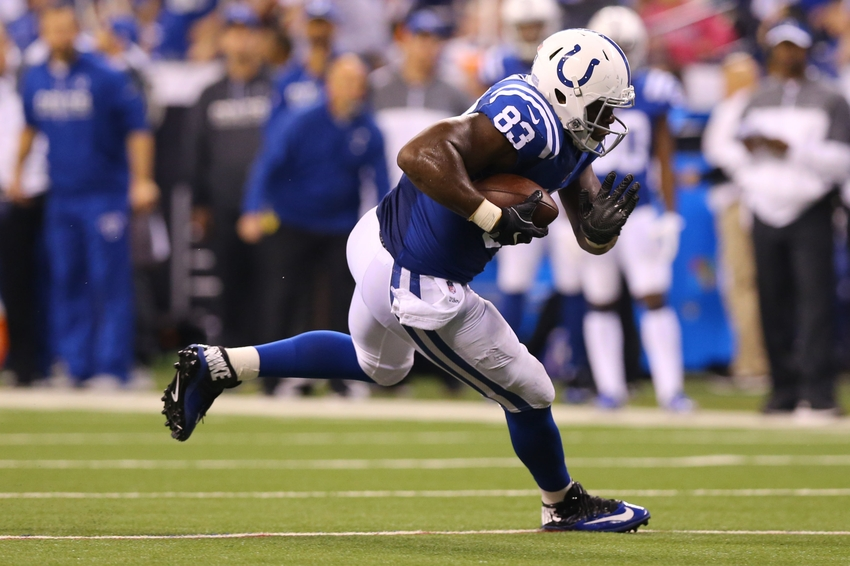 9713737-dwayne-allen-nfl-pittsburgh-steelers-indianapolis-colts
