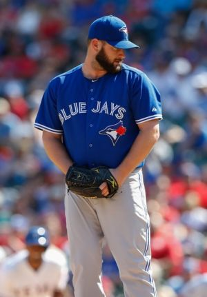 Toronto Blue Jays: Todd Redmond has quietly lowered his ERA to under 2.00 for the season. Mandatory Credit: Kevin Jairaj-USA TODAY Sports