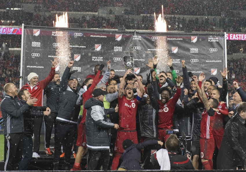 9714915-michael-bradley-mls-eastern-conference-championship-montreal-impact-toronto-fc