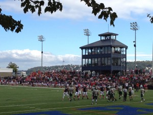 Duquesne sets up their offense in a game vs. Wagner on 10/12. Next game: RMU Colonials.