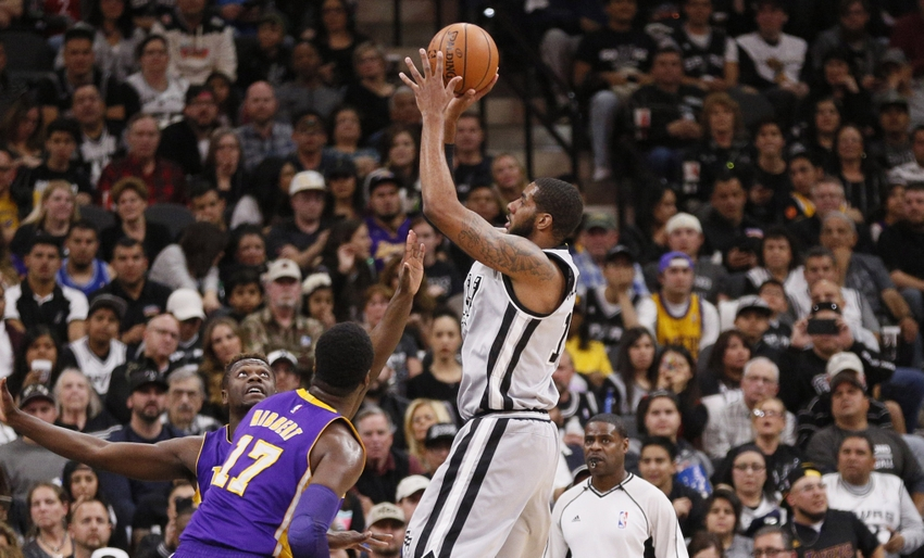 Julius-randle-lamarcus-aldridge-nba-los-angeles-lakers-san-antonio-spurs