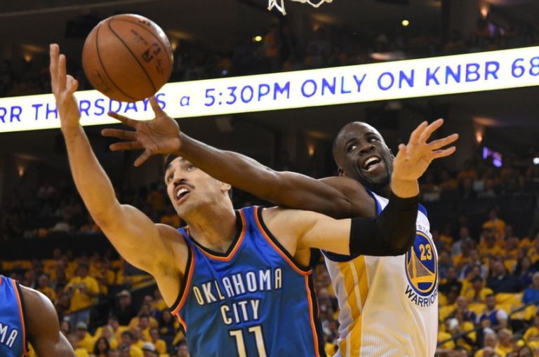 Enes-kanter-draymond-green-nba-playoffs-oklahoma-city-thunder-golden-state-warriors-768x509