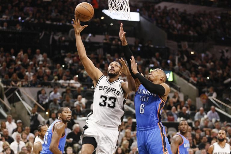Randy-foye-boris-diaw-nba-playoffs-oklahoma-city-thunder-san-antonio-spurs-768x511
