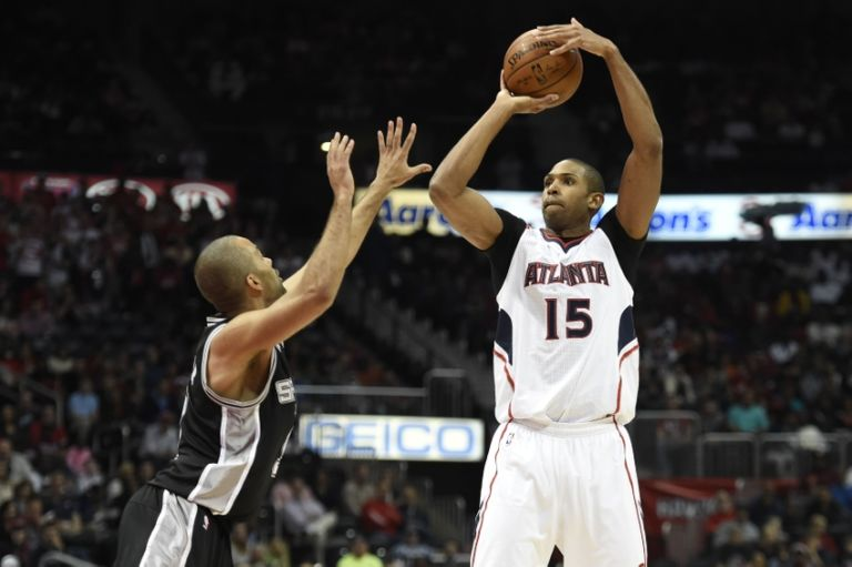 Tony-parker-al-horford-nba-san-antonio-spurs-atlanta-hawks-768x511