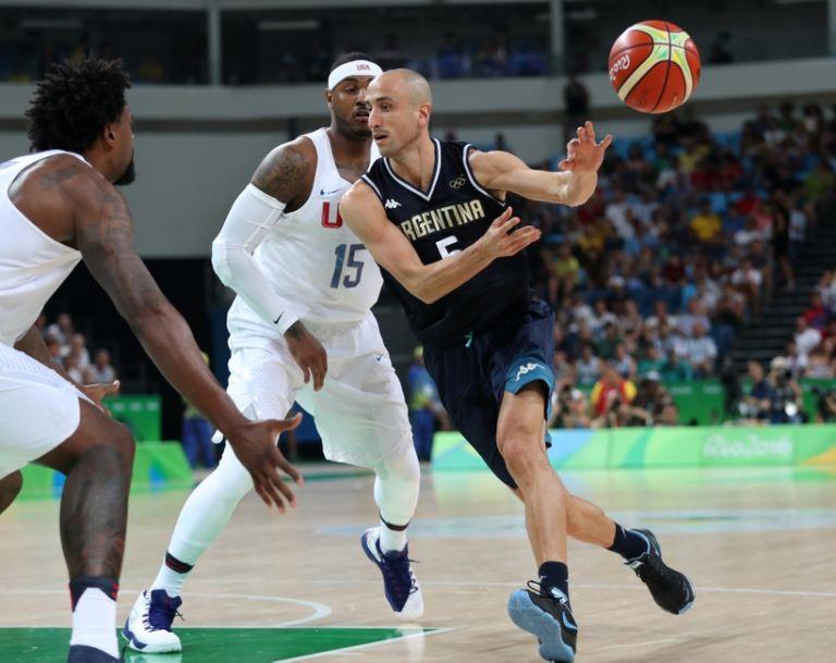 9477490-manu-ginobili-carmelo-anthony-olympics-basketball-men-1-768x609