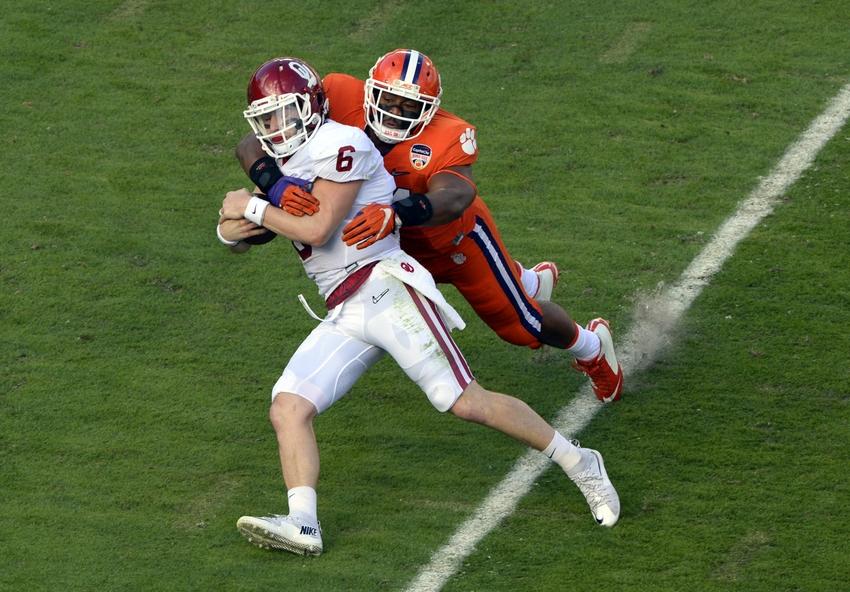 Baker-mayfield-b.j.-goodson-ncaa-football-orange-bowl-oklahoma-vs-clemson1