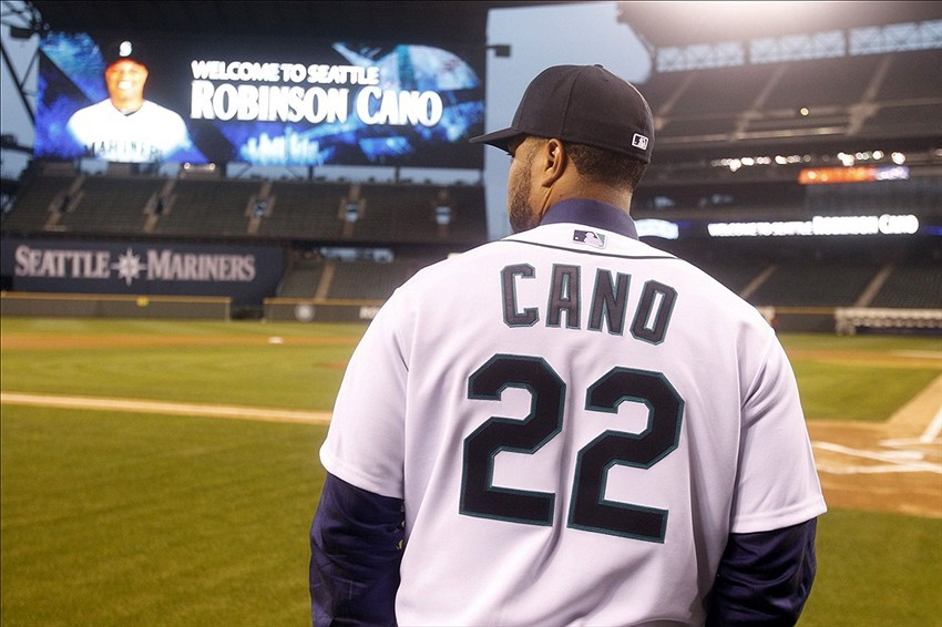 Dec 12, 2013; Settle, WA, USA; Seattle Mariners second baseman ...