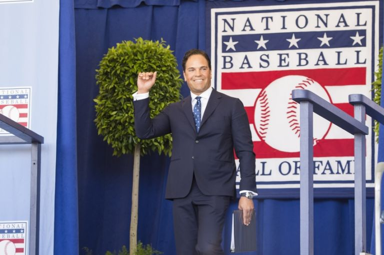 Mlb-baseball-hall-of-fame-induction-ceremony-1-768x511